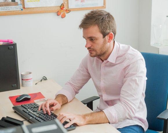 """един ден на Петър Русинов, специалист в отдел """"Експертен център"""" А1 Блог"""