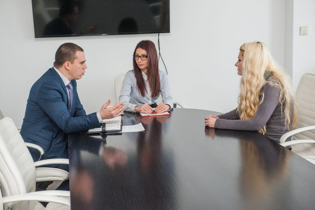 """Бойка Джартазанова и Гергана Цвяткова, експерти в екип """"Привличане на таланти и развитие"""" А1 Блог"""