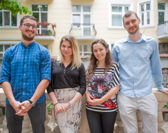 Студентите знаят как да помогнат на чуждите туристи в София