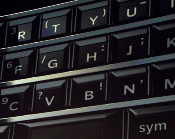 BlackBerry KeyOne QWERTY клавиатура
