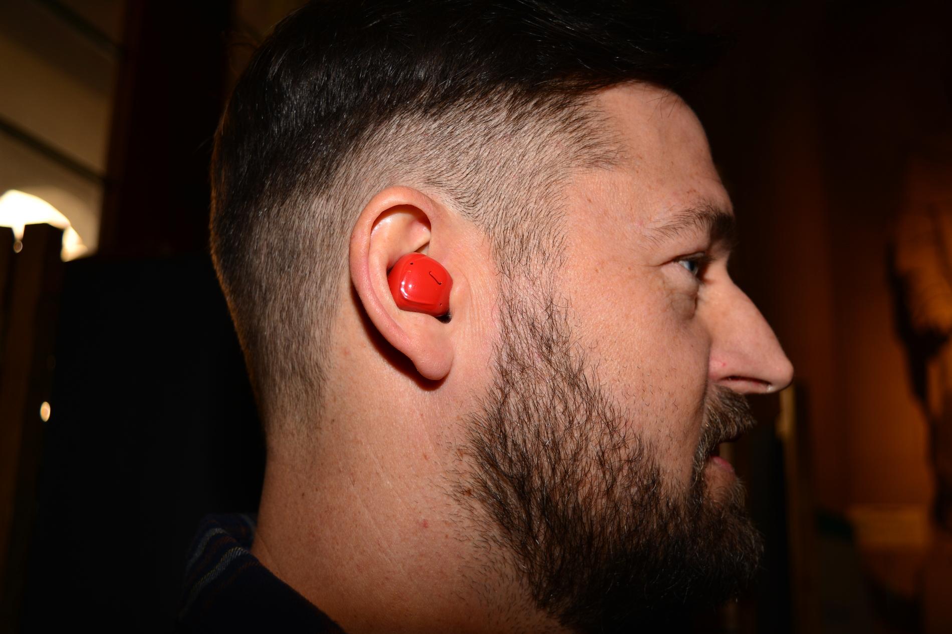 слушалки Хитри слушалки превеждат в реално време А1 Блог