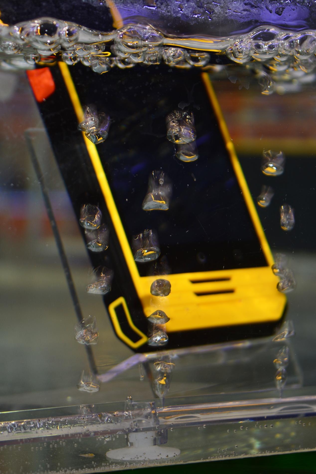 """смартфони Смартфоните през 2018: големи дисплеи, двойната камера е """"стандарт"""" А1 Блог"""