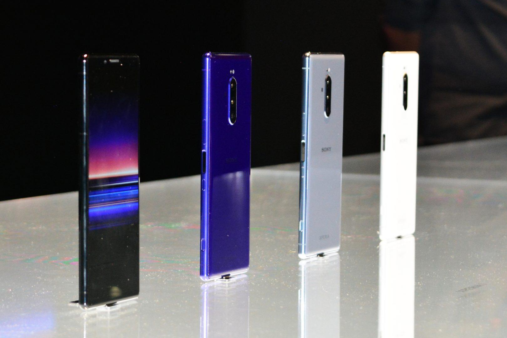 Вярна на стремежа да даде максимум мултимедийни забавления в ръцете на потребителите, Sony изстреля Xperia 1 на Световния мобилен конгрес, вкарвайки в смартфона професионални снимачни функции, които ще зарадват любителите на всякакъв тип видеосъдържание.