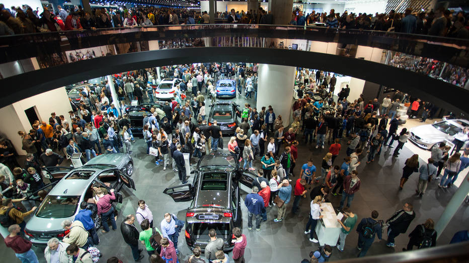 По време на автосалона във Франкфурт бяха представени доста нови технологии, които постепенно ще навлязат в ежедневието на шофьорите.