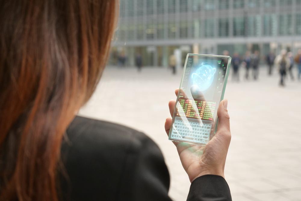 Сгъваеми корпуси, още по-големи дисплеи, подобрен хардуер, тройни камери - вижте какво можем да очакваме от смартфоните през 2018-а