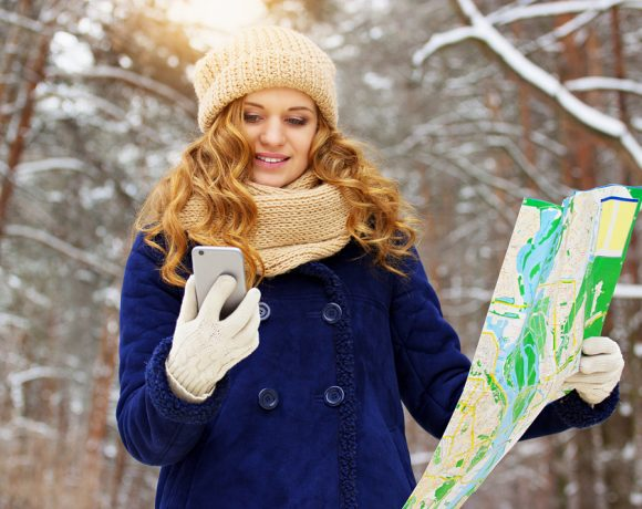 """Можем ли да """"разцъкваме"""" смартфона навън през зимата, без да сваляме ръкавиците. Разбира се - предлагаме в три прости решения срещу премръзнали пръсти."""
