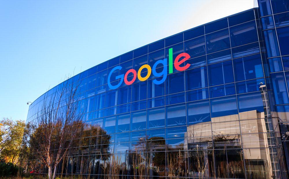 След нестихващата поредица скандали около IT гигантите сега и Google поставя голям акцент над защитата на личните данни и поверителността. Компанията използва своята годишна конференция Google I/O, за да представи какво е постигнала дотук и какво още предстои да направи в рамките на тази година.