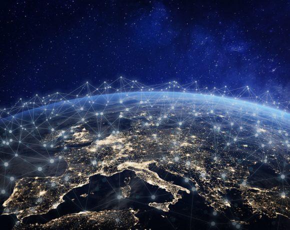 """Все повече бизнес лидери се гмуркат в технологичната революция, представена от концепцията за Internet of things (IoT) или преведено на български """"Интернет на нещата"""". Все още обаче стои въпросът: време ли е компаниите да интегрират IoT в бизнеса си или е по-добре да останат предпазливи?"""