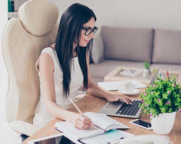 Намирането на работа може да e цяло приключение. Редом с подготовката на CV и мотивационно писмо има още един важен ключ към успешна реализация - LinkedIn.