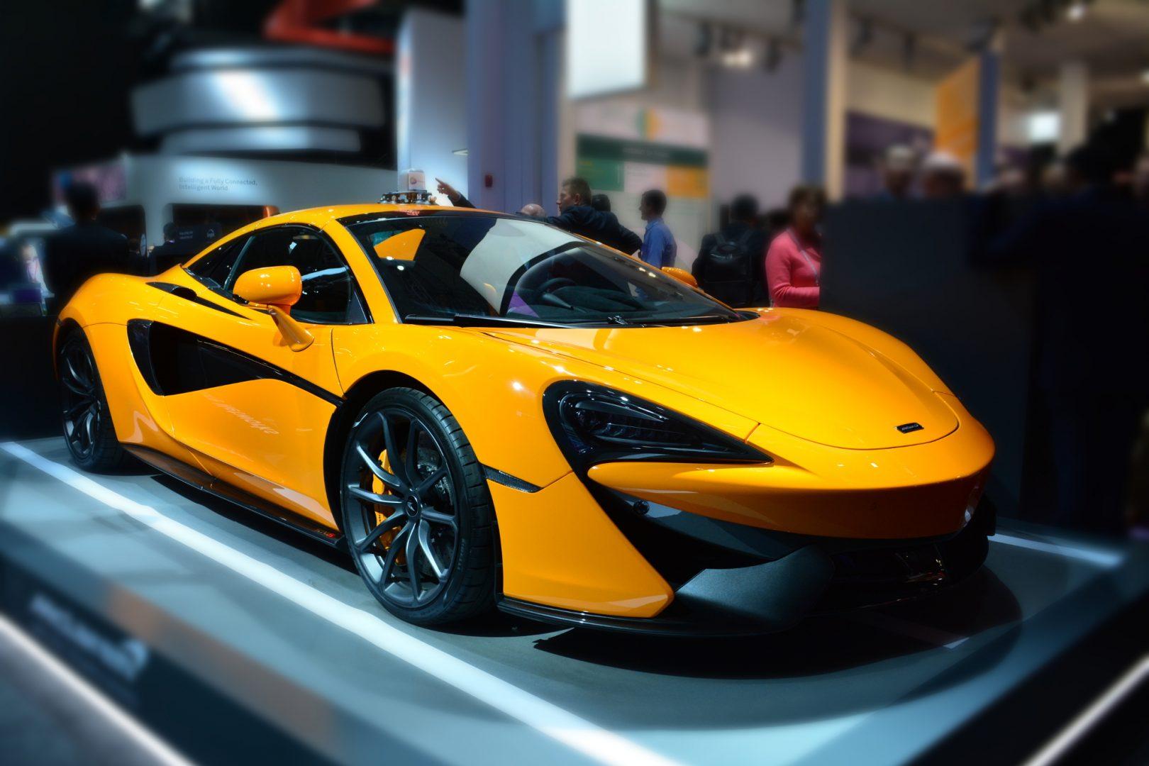McLaren протяг ръка към 5G със специален прототип, в който хляди показатели ще се следят в реално време и ще информират за съсстояните на автомобила и отделните му елементи.