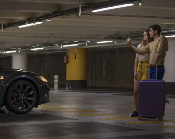Kлючове и карти няма да са нужни за ползване на споделени коли - те ще разпознават водачите само по лицата. Това обещава проект, представен на MWC 2018.