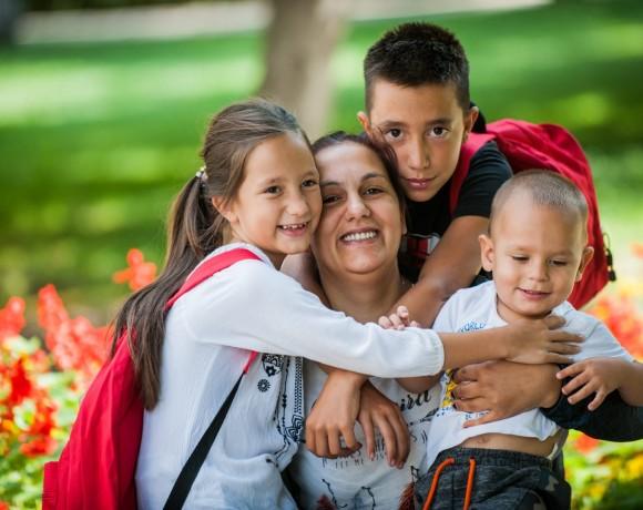 С четири деца и два куфара по пътя към щастието А1 Блог