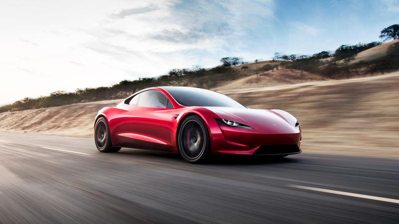 Tesla предизвиква автомобилния бранш с най-бързите кола и камион