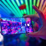 Време е за юбилей – десетото поколение на Galaxy серията на Samsung вече е тук. Заоблен дизайн, съчетаващ алуминий и стъкло, 6.4-инчов Dynamic Amoled дисплей с цветове, които само Samsung може да предложи, тройна камера, снимаща 4К видео с 30 кадъра в секунда, 1 терабайт вътрешна памет и мощен процесор Exynos 9820.