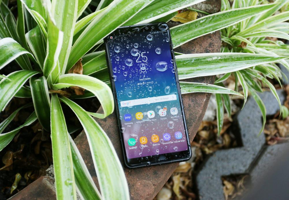 Представител от средния клас, но с благородно потекло – представяме ви новият Samsung Galaxy A8 от 2018 година.