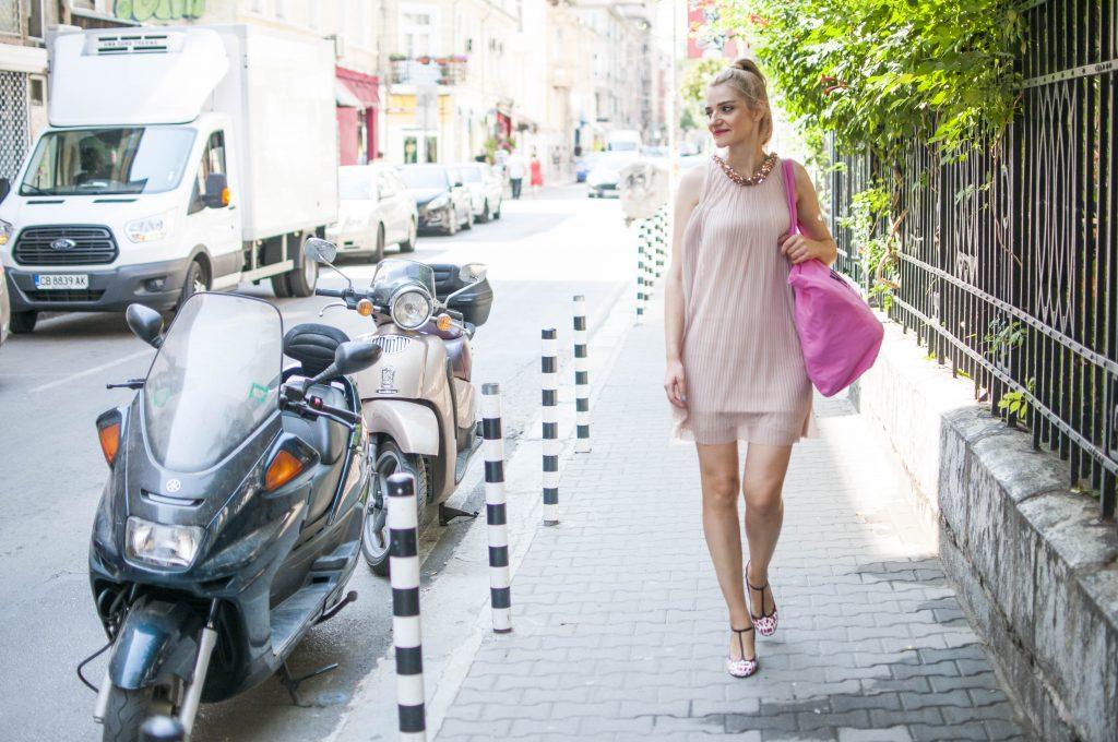 Ванина Ханджийска Ванина Ханджийска: Ако този сезон си купувате само едно нещо, нека да са чизми А1 Блог