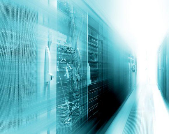 Мощността на суперкомпютрите се увеличава с все по-голямо темпо. Най-бавният суперкомпютър днес има производителността на най-бързия от 2008 г.