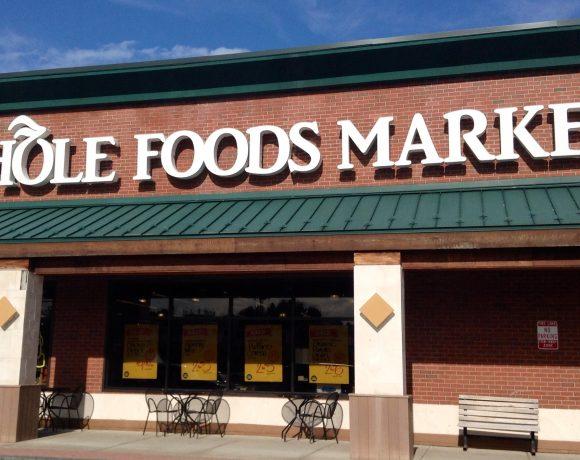 Amazon купи веригата магазини Whole Foods