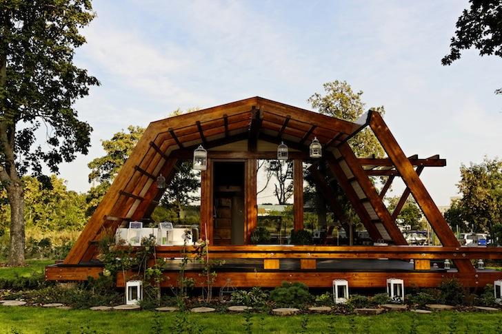 къща Ултрамодерната къща, която се управлява със смартфон Мтел Блог