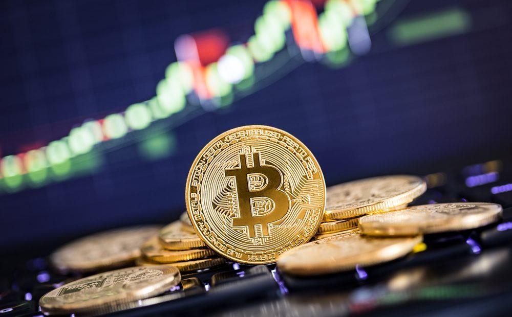 След повече от година, изпълнена със спадове и проблеми, Bitcoin започва да привлича вниманието отново. Последните няколко седмици са доста динамични за криптовалутата, като тя възроди оптимизма на нейните почитатели за нови върхови постижения.