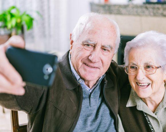 смартфони за възрастни