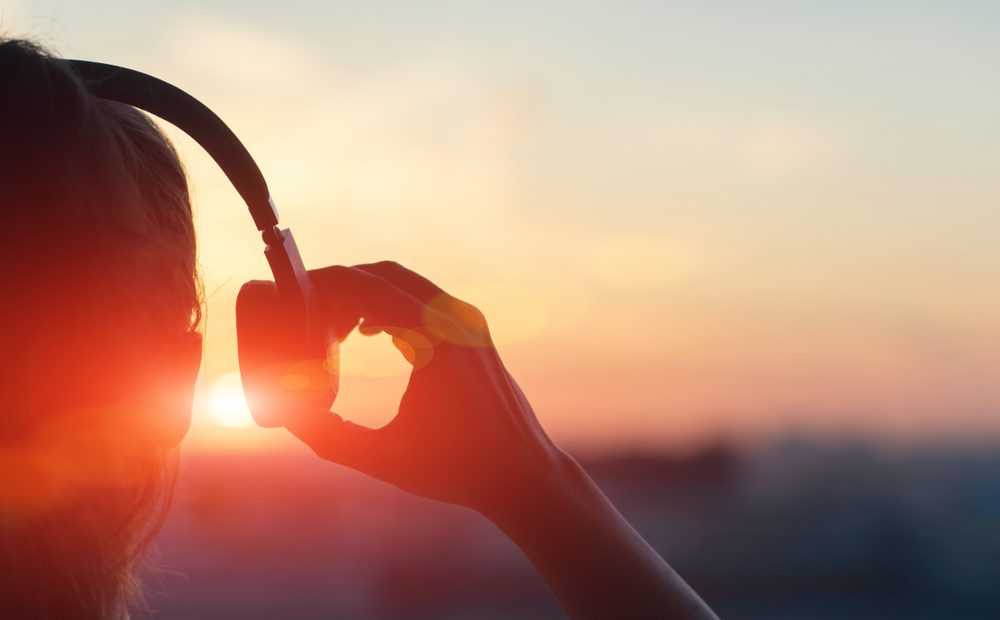Запознайте се с 5 предложения за слушалки от различен тип, които са достойни представители на персоналната аудио техника.