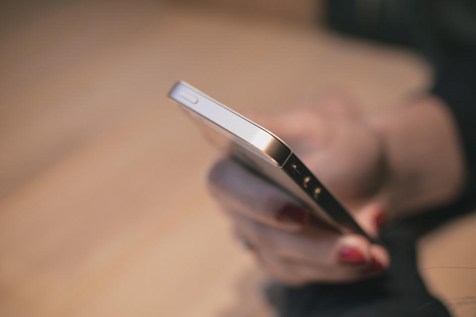 Apple Apple срещу ФБР: докъде се простират границите на дигиталните свободи? А1 Блог