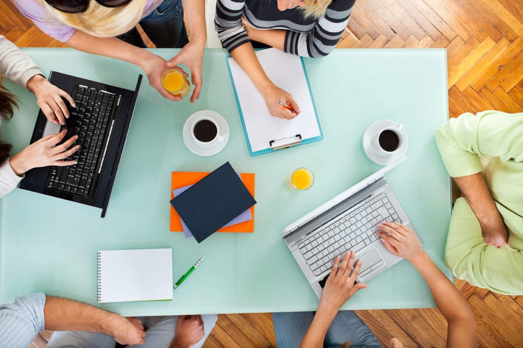 споделените работни пространства 5 предимства на споделените работни пространства А1 Блог