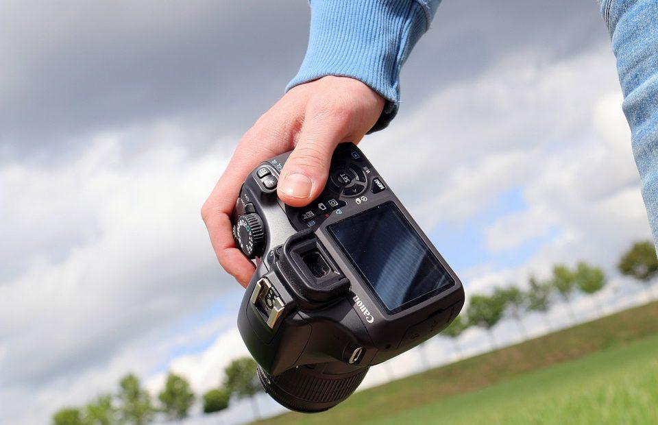 Как да прехвърлим снимки от DSLR-а към Android телефона