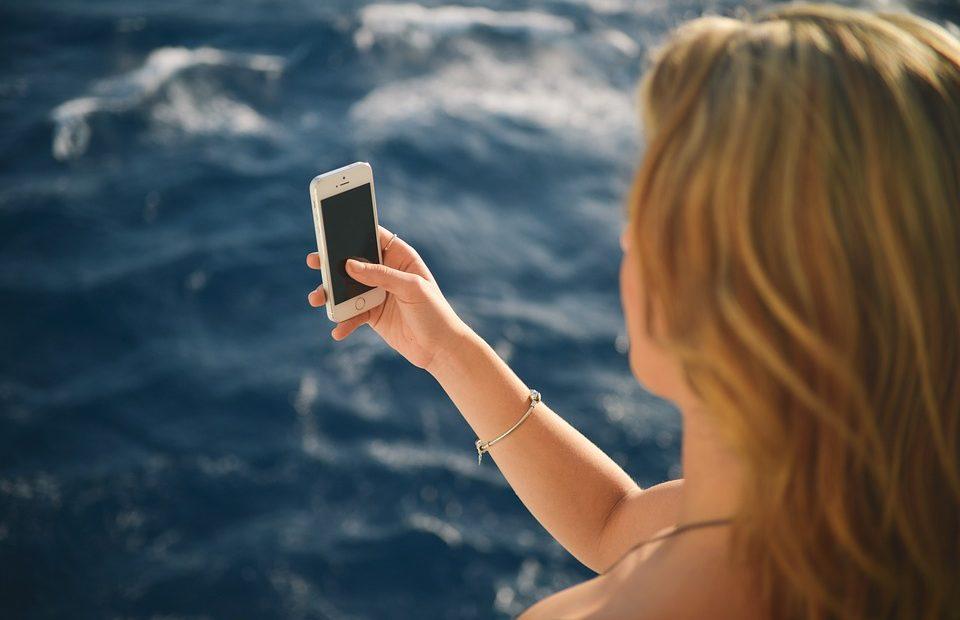 телефона Как да спасим телефона си от летен инцидент? А1 Блог