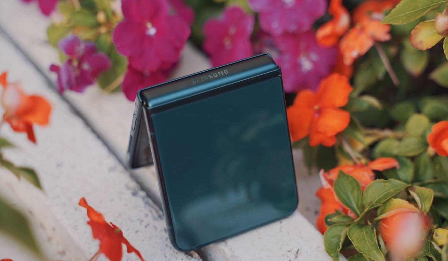 смартфон Samsung Galaxy Z Flip3: Стилен аксесоар и практичен смартфон в едно А1 Блог