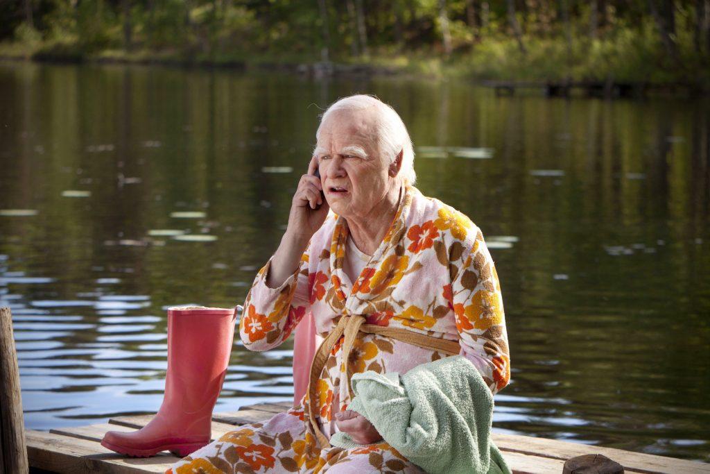 """старец Рецензия: """"100-годишният старец, който скочи през прозореца и изчезна"""" А1 Блог"""