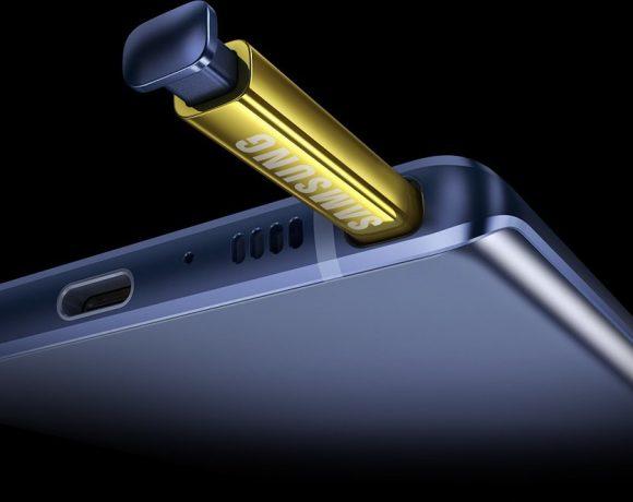 """Всеки нов смартфон обикновено се концентрира върху една ключова дума, която да го опише. При Samsung Galaxy Note9 тази дума ще е """"мощност"""". Мощен процесор, мощна батерия и дори S-Pen стилусът вече е по-мощен. Note9 ще се бори с другите смартфони в класа и очакваните нови версии на Apple iPhone, включително и iPhone X."""