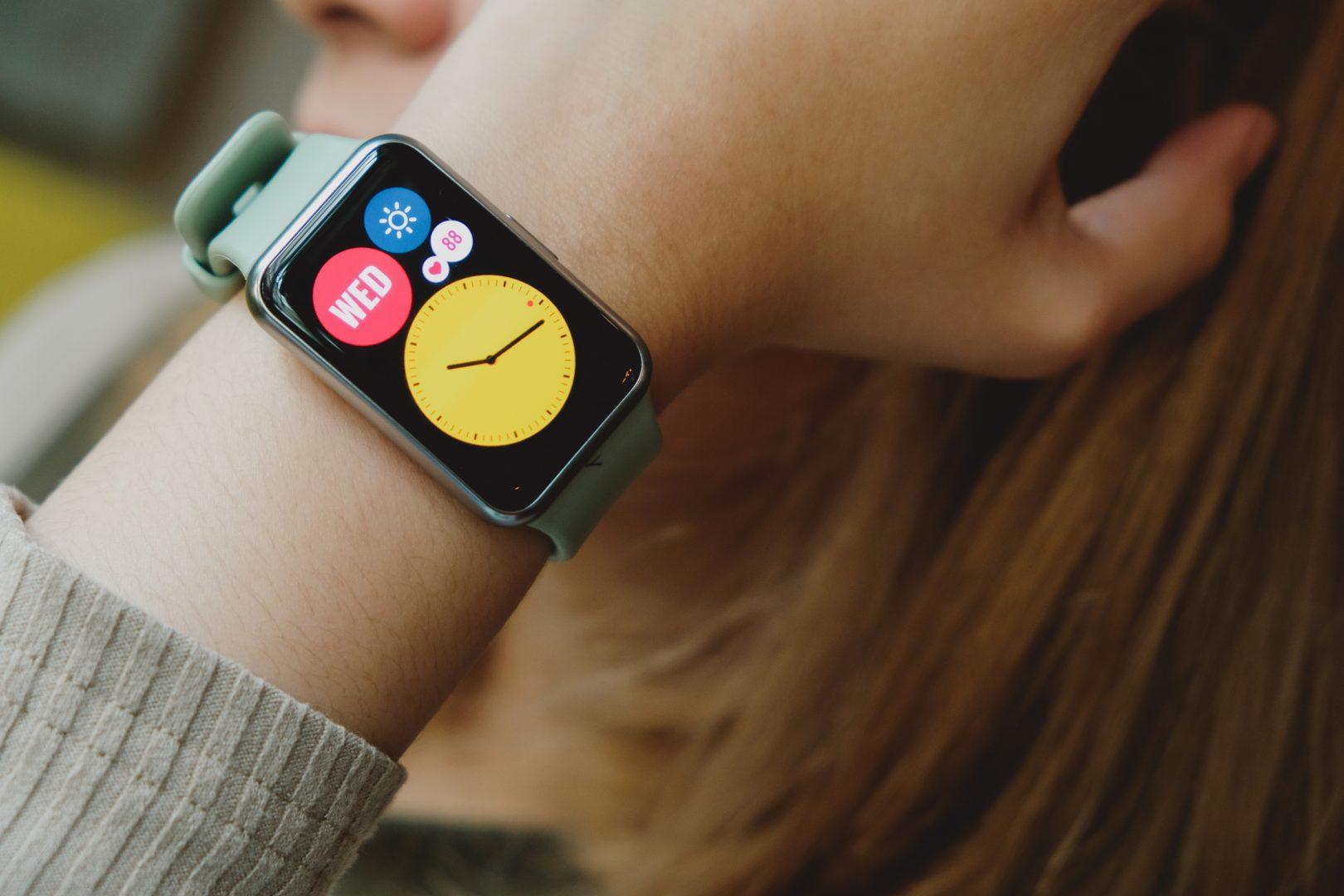 Huawei смарт часовник Watch FIT