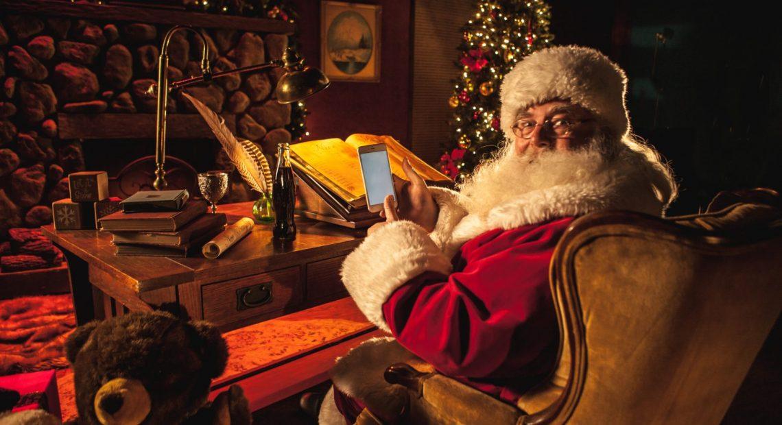 """""""Хо-хо-хо, весела Коледа, дете!"""" Именно това си мечтае да чуе всеки малчуган, придружено от най-чаканото обещание - че ще получи желания подарък от Дядо Коледа."""