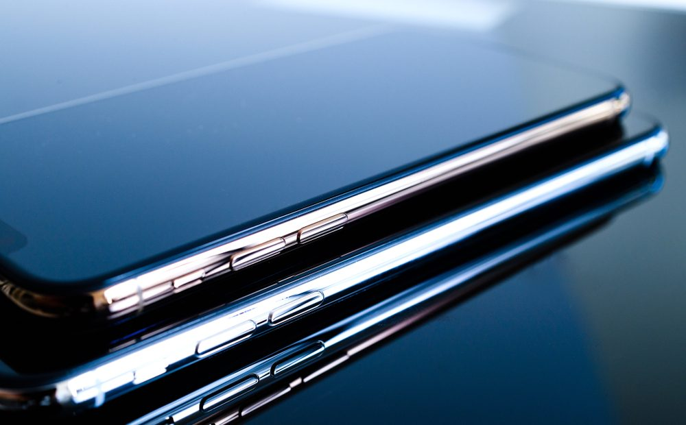 Смартфонът – незаменим помощник ли е или просто много искаме да имаме последния модел флагман, за да се фукаме пред останалите, задоволявайки собствения си каприз?